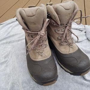 Northface Chilkat Boots